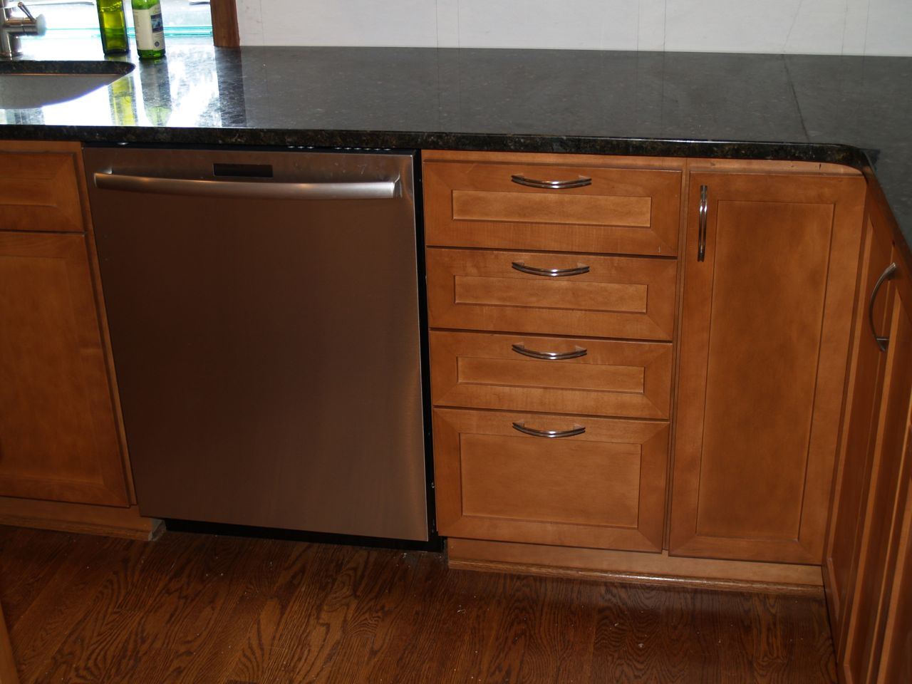 New Kitchen Cabinets And Dishwasher