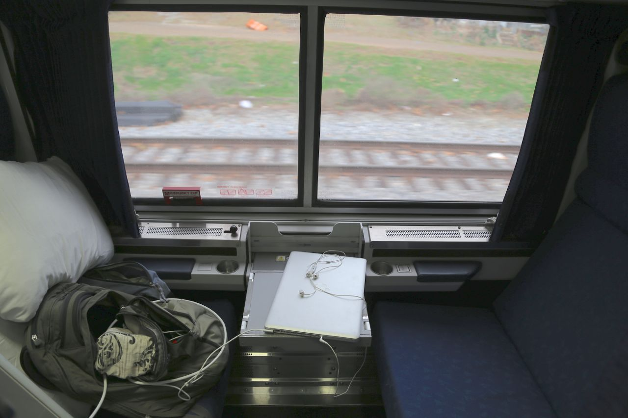 Amtrak Viewliner Roomette The Hippest Pics