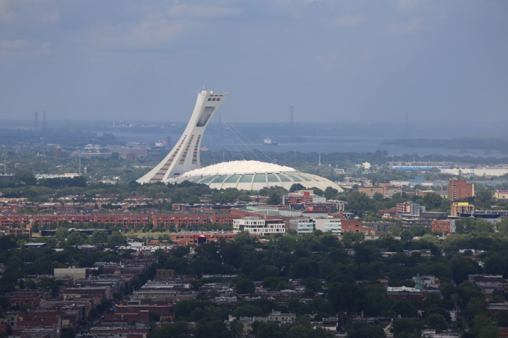 From Camillien-Houde lookout, a view of the Olympic venue (with zoom)