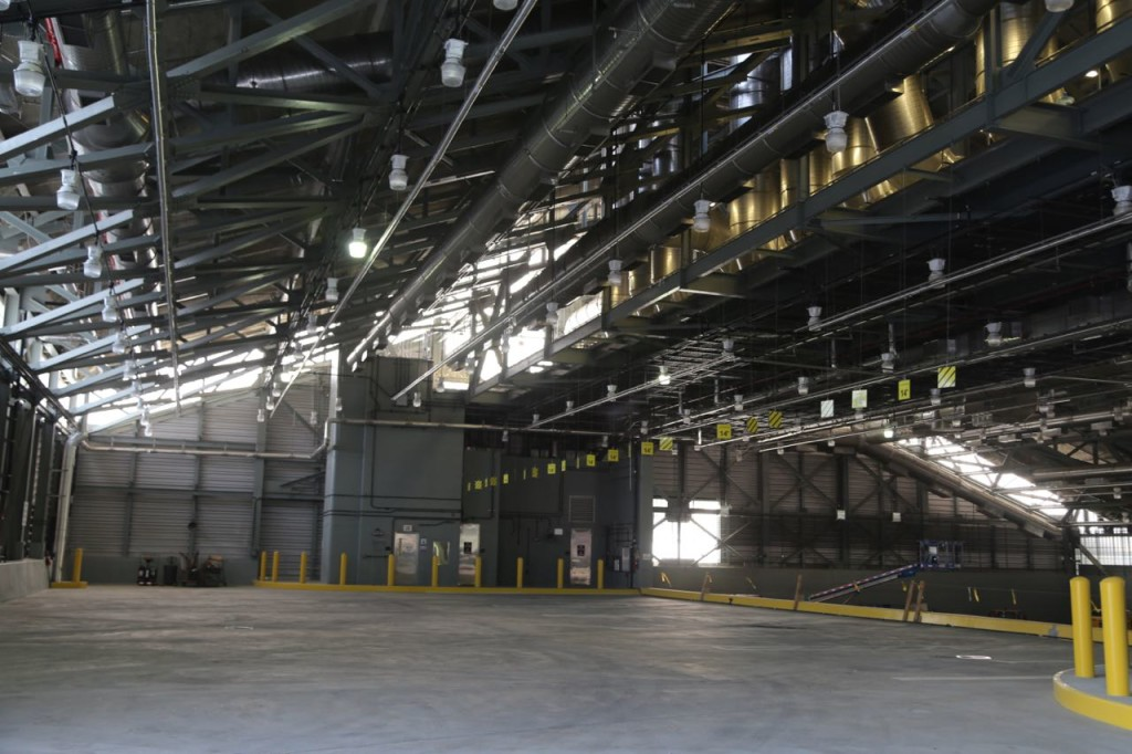 Area where trucks enter and then deposit waste onto mixing floor (right side)